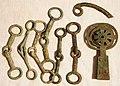 Bronze Xian (Horse Bits), Cheekplate, & Luan (Chariot Rattle) (10625002645).jpg