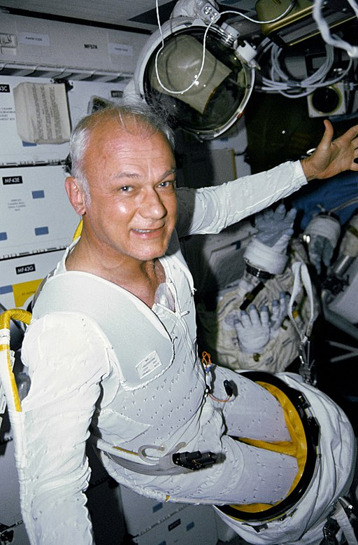 Bruce McCandless on mid-deck - GPN-2006-000013