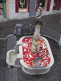 Brunnen Napfplatz Zürich 3.JPG