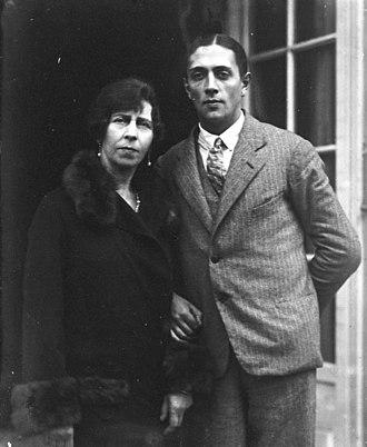 Princess Viktoria of Prussia - Princess Viktoria of Prussia with her second husband, Alexander Zoubkoff, 1927.