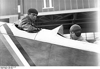 Bundesarchiv Bild 102-10157, Berlin, Internationaler Europa-Rundflug.jpg
