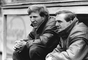 Klaus Sammer - Klaus Sammer (left) on the Dynamo Dresden bench, with his assistant, Dieter Riedel.