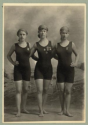 Women's sports - Image: Bw 1920 competition medals
