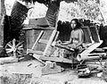 COLLECTIE TROPENMUSEUM Weefster Bali TMnr 10014459.jpg