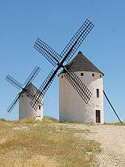 Turmwindmühlen mit fester Haube, La Mancha, Spanien