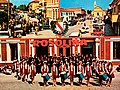 """Cartolina storica di Rosolina con la Filarmonica """"Vincenzo Bellini"""" e le Majorettes.jpg"""