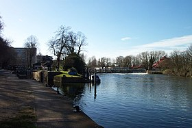 Caversham lock and weir.jpg