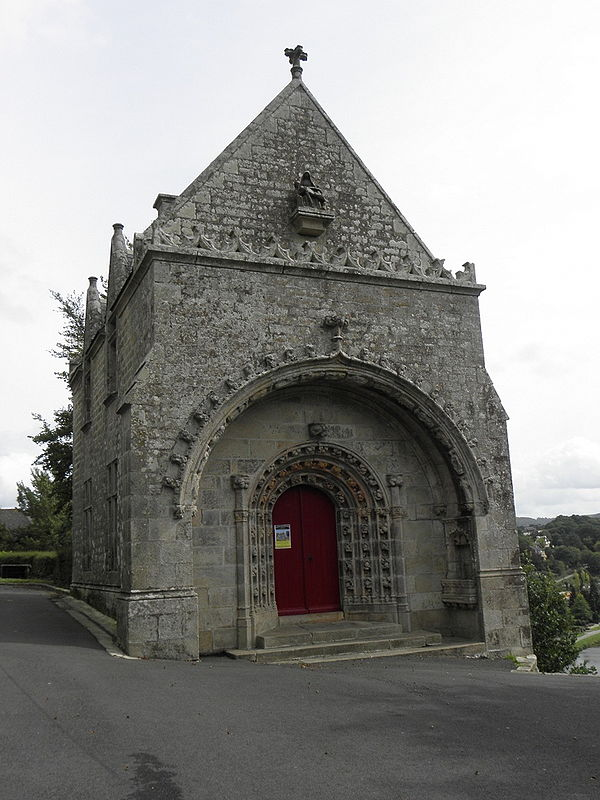 The porch at the chapel of Notre-Dame des Portes