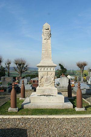 Chapet - Image: Chapet Monument aux morts 01