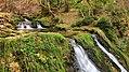 Chaudron, petites cascades sur le ruisseau de la Source Bleue.jpg