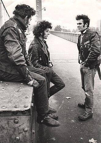 Mods and rockers - Three rockers on Chelsea Bridge