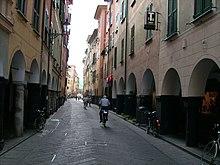 I portici di via Vittorio Veneto nel centro storico