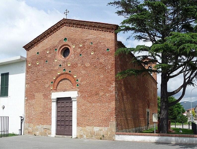 File:Chiesa San Biagio in Cisanello, Pisa.JPG - Wikimedia ...
