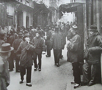 History of San Francisco - Ross Alley in San Francisco's Chinatown 1898. (Photo by Arnold Genthe)