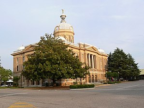 Clay County Alabama Courthouse, gelistet im NRHP Nr. 76000316[1]