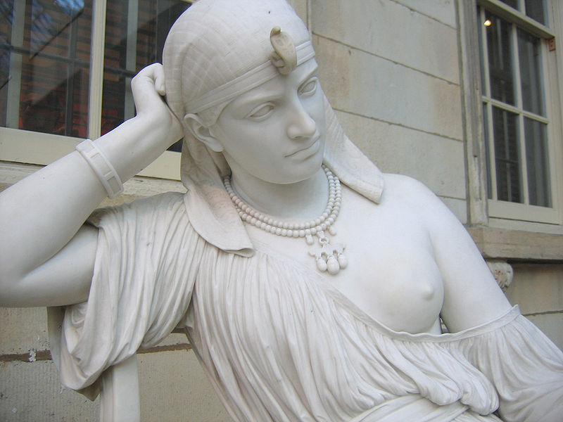 File:Cleopatra by William Wetmore Story 03.jpg