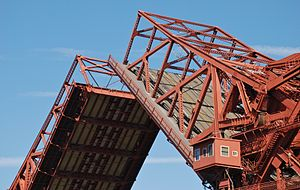Broadway Bridge (Portland) - The bridge's bascule span open