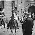 Coolsingel van Rotterdam, een delegatie uit Berkel-Rodenr te paard om de gemeent, Bestanddeelnr 915-2380.jpg