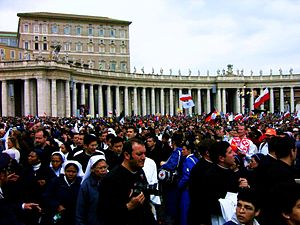 Crowd at Pope's Funeral.jpg