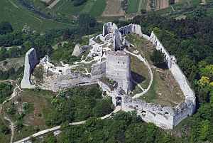 Elizabeth Báthory - Aerial view of Čachtice Castle