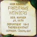 Cuxhaven Stolperstein Friederike Weinberg.jpg