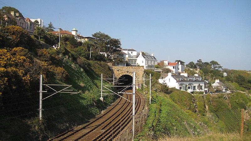 File:DART line at Dalkey looking north.JPG