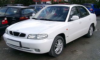 Daewoo Nubira - Image: Daewoo Nubira front 20081007