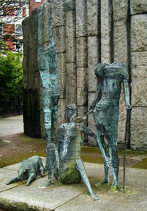 Edward Delaney - The famine memorial behind Wolfe Tone