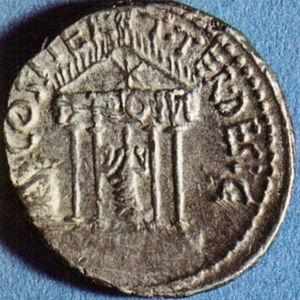 Denario di ottaviano con il tempio del divo giulio