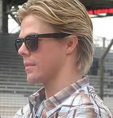 Description de l'image Derek Hough 2009 Indy 500 Carb Day.JPG.