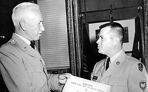 Charles E. Hart - Lt. Gen. Hart presenting award to Specialist Donald B. Edwards at Army Air Defense Command HQ, Ent Air Force Base, Colorado Springs, Colorado, 1960