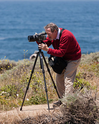 Douglas Osheroff - Osheroff photographing during a trip to Big Sur with his students