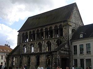 Doullens - Image: Doullens église St Pierre 1