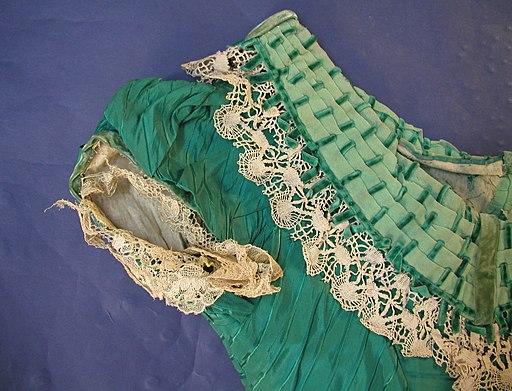 Dress (AM 2003.48.1-12)