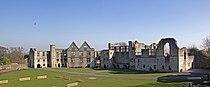 Dudley Castle Courtyard 2 (5511627203).jpg