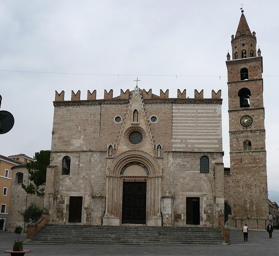 Duomo di Teramo - facciata principale