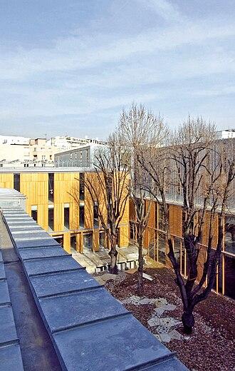 École Nationale Supérieure d'Architecture de Paris-Belleville - Image: ENSAPB bâtiment d'enseignement et biblio sur jardin extérieur 2008