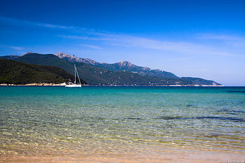 English: Elba is an island in the Tuscany regi...