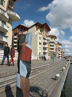 Eriksberg (Göteborg), den nordlige bred af Göta älv, hvor beboelsesområder har erstattet skibsværfter