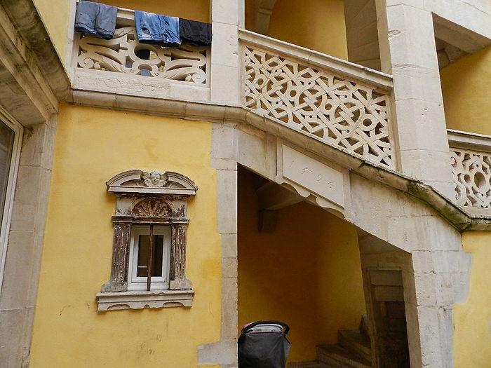Maison de l 39 apothicaire ancienne monument historique for Maison toul