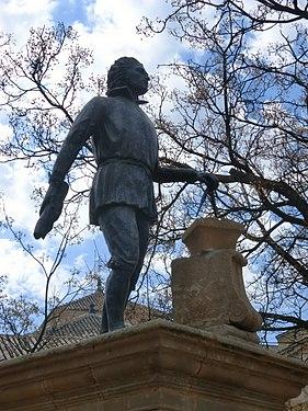 Estatua-vandelvira.JPG