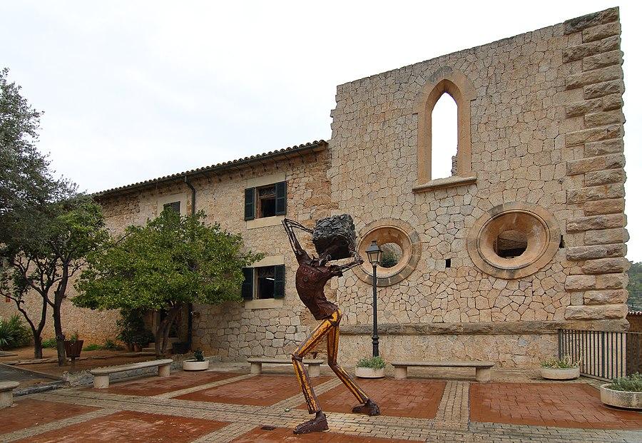Estellencs, ampliación inconclusa de Iglesia de San Juan Bautista