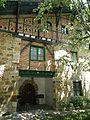 Etxezarra baserria, 1924. urtean eraiki zuten antzinagoko beste baserri baten osagaiak erabilita. Atxondo, Bizkaia, Euskal Herria.jpg