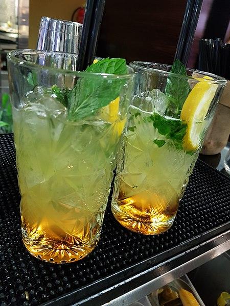 File:Excalibur cocktail.jpg