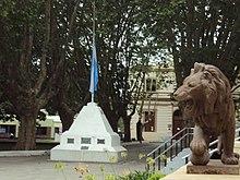 El león y el mástil