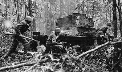 Finnish troops advancing near Rautjärvi