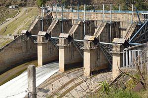Pandoh Dam - View of Pandoh Dam from NH-21