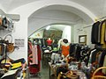 Florence Vintage Clothing Store (5987215458).jpg