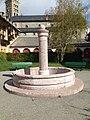 Fontaine du square La Peyrouse (Embrun).jpeg