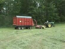 Fil:Forage harvester - forage wagon 320x240.ogv